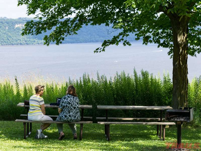Picnic with a view at Frontenac State Park