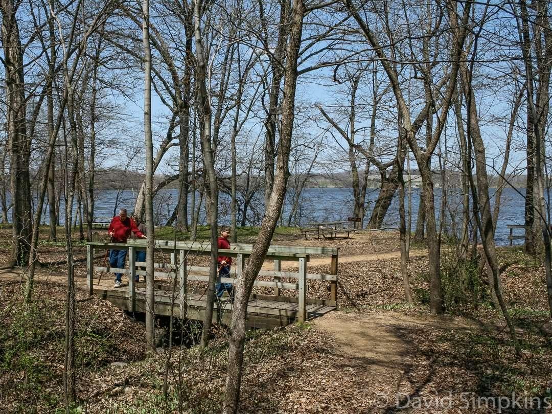 The picnic area on the shores of Upper Sakatah Lake at Sakatah Lake State Park