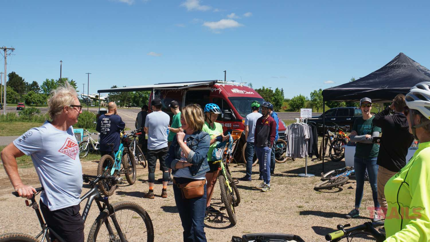 Crowd of mountain bikers