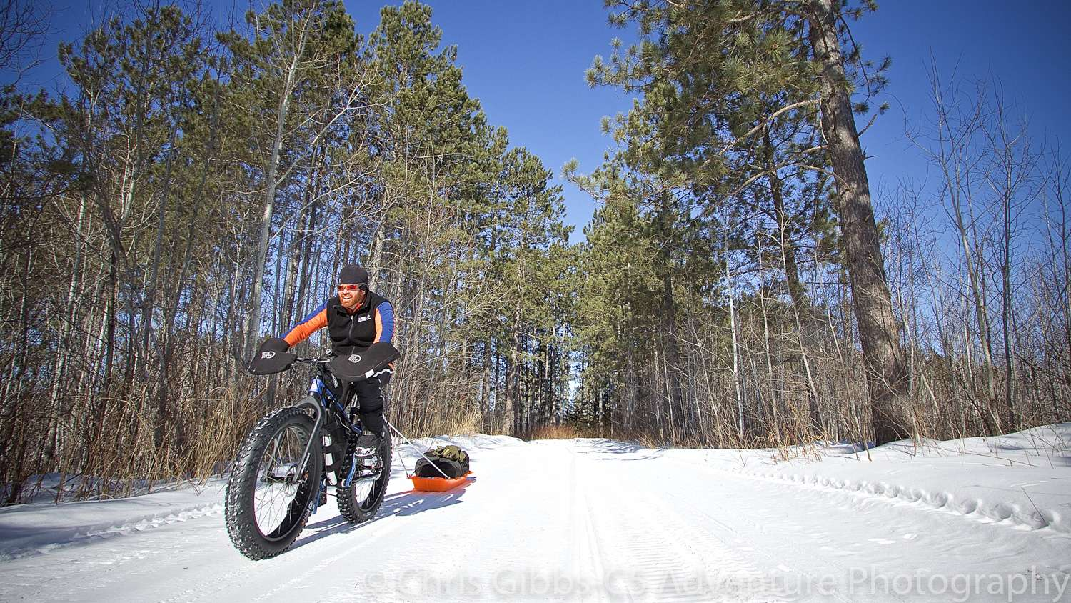 Pulling a sled with a fatbike in the winter